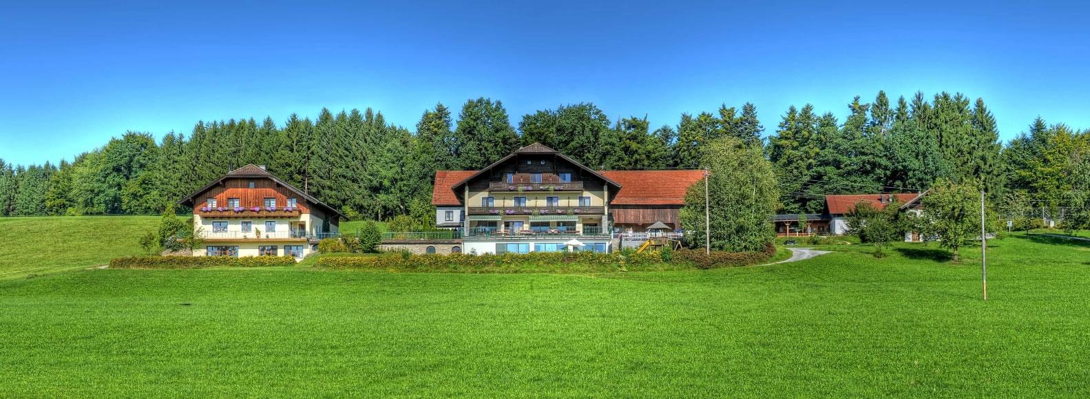 Bio-Hotel Schiessentobel in Seeham