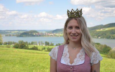 Fotoshooting mit der neuen Heukönigin Leonie I.