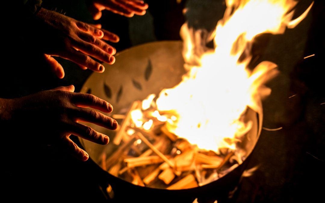Drei Generationen im Holzfeuer