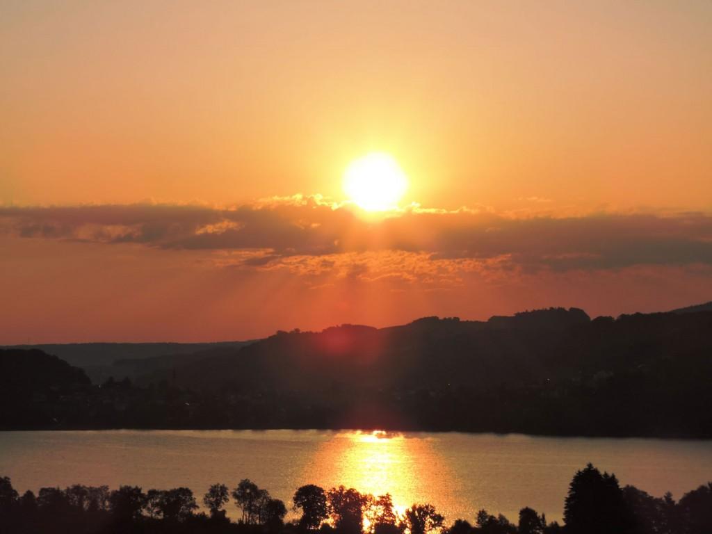 Sonnenaufgang in der Bio-Heu-Region 15